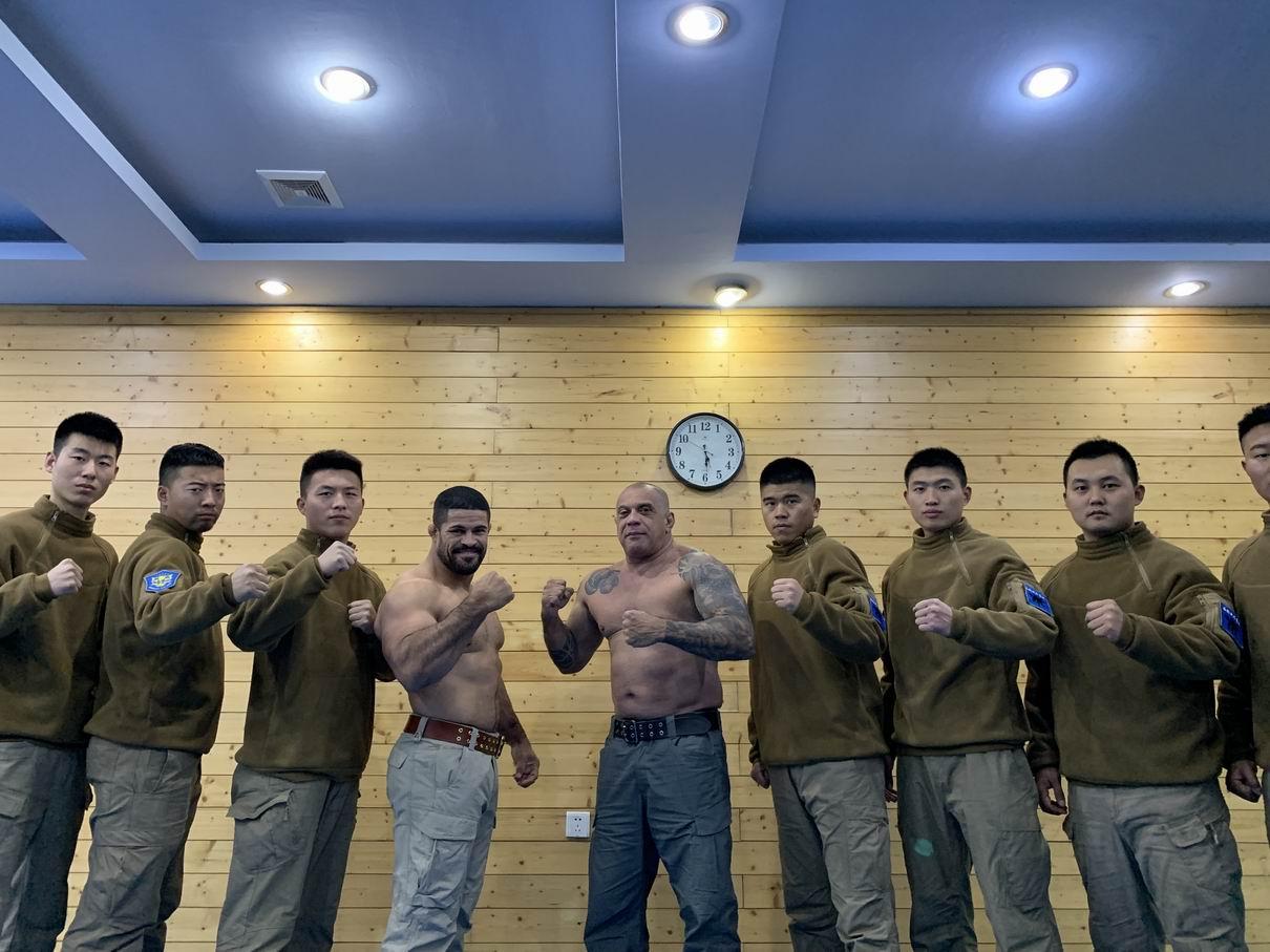 海豹战术系统又纳入一名国际UFC健将,Rousimar Palhares(俗称小钢炮)插图
