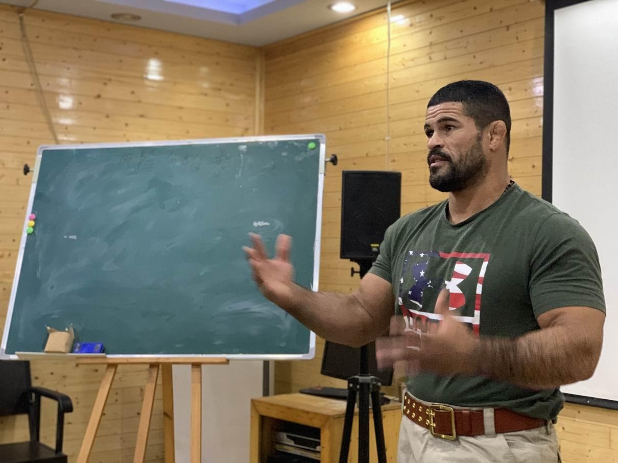 海豹战术系统又纳入一名国际UFC健将,Rousimar Palhares(俗称小钢炮)插图2